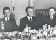 Eesti Kirjanduse Seltsi jõuluõhtu 1936. Jaan Roos, Friedebert Tuglas, Eduard Schönberg - KM EKLA
