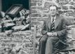 Friedebert Tuglas Ahjal, vana õllekoja seina ääres, juuli 1938 - KM EKLA