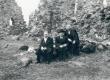 F. Tuglas, R. Kleis, V. Treumann. Ring ümber Võrtsjärve, Karksi lossivaremeil 30. IV 1939 - KM EKLA