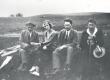 K. Ast-Rumor, E. Tuglas, F. Tuglas, ? suvitamas Kasaritsas Puiga talus 1921-22 - KM EKLA
