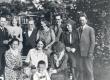 Haapsalus 1931. Seisavad vasakult: II S. Oinas-Kurvits, VI E. Tuglas, VII F. Tuglas - KM EKLA