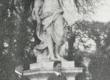 Vasakult: F. Tuglas ja F. Kull Versailles'e pargis. Raamatust: Ferdinand Kull, Mässumehi ja boheemlasi (Tln. 1933) lk. 153 - KM EKLA