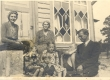 Pedro Krusten intervjueerimas Aino Kallast (keskel) 1942 või 1943 - KM EKLA