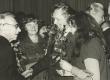Enne Vetemaa jt. õnnitlemas Mart Rauda tema 75. sünnipäeval sept. 1978 - KM EKLA