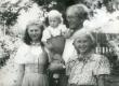 August Sang lastega: Liina, Joel ja Maarja - KM EKLA