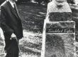 """Fr. Tuglas 14. sept. 1967 Uderna kooli pargis """"graniidist Tuglasega"""" - KM EKLA"""