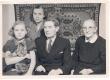 Johannes Aaviku 70. sünnipäev 1950. Vas.: Silvia Aavik, Aleksandra Aavik, Johannes Aavik, Anna Narva - KM EKLA