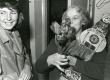 Betti Alver J. Liivi nim. luuleauhinnaga 1968. a. oma kodus Koidula tn. 8-2   - KM EKLA