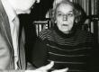 Betti Alver (ja Karl Muru) poetessi 80. juubelil 23. nov. 1986. a Koidula tn 8-2 - KM EKLA