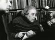 Betti Alver oma 80. a. juubelikülalistega 23. nov. 1986. a. kodus, Koidula tn. 8-2  - KM EKLA