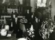 August Rei matus 20.4.1963. a. Gustav Vasa kirikus Stockholmis. Vas. 1. Karl Ristikivi, 2. Renate Kaasik, 3. Aleksander Kompus, 6. Kalju Lepik - KM EKLA