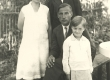 Kirjanik J. Kärner perekonnaga - KM EKLA