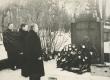 Pärgade panek A. Kitzbergi hauale 28. XII 1955 - KM EKLA
