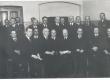 Kirjanduslike auhindade jagamine 1938. Istuvad vasakult: 1) H. Visnapuu, 2) dr. J. Vasar, 3) A. Mälk, 4) V. Päts, 5) E. Hubel, 6) A. Jaakson, 7) Fr. Tuglas 9) J. Kõpp. Seisavad: A. Adson (keskel), J. Semper (par.2.) - KM EKLA