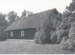 Aino Kalda suvekodu (1924-38) - Tamme talu Kassari saarel (Töötoa aken on vasakpoolne) - KM EKLA