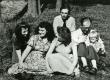 Vasakult: 1) Kersti Merilaas, 2) Debora Vaarandi, 3) Liina Sang, 4) Juhan Smuul, 5) August Sang, 6) Joel Sang 1953. a - KM EKLA