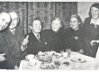 Johannes Aavik'u 70-da sünnipäeva pühitsemisel A. Adson, Otto Pukk, Johannes Aavik, Marie Under, Pukk, Hedda Hacker - KM EKLA