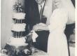 A. Kallase tütretütar Sirje pulmapäeval koos abikaasaga - KM EKLA