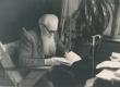 E. Peterson-Särgava oma kodus Pirita Kosel 7. X 1957. a. - KM EKLA