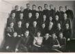 Ernst Peterson-Särgava Tallinna Ehitustehnikumi õpetajana kaastööliste ja õpilaste keskel 1940-ndate a-te II p. - KM EKLA