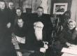 End. Tallinna reaalkooli õpilased E. Peterson-Särgava sünnipäeval. Keskel E. Särgava 1950-ndail a-il - KM EKLA