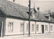 Maja Kingissepas Moskva (end. Tolli) tänavas (nr. 9), kus töötas 20. saj. algul Eisenschmidti erakool. Siin on õppinud V. Grünthal-Ridala - KM EKLA