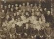 Raudna vallakooli õpilasi u 1910. a. Ees par. teine Mart Raud - KM EKLA