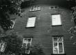 Betti Alveri kooliaegne elukoht Tiigi tn 5, II korrus. Foto 1982. a - KM EKLA