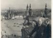 J. Vares-Barbarus (vas.) ja Nigol Andresen 1940. a. Moskvas - KM EKLA