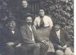 vas: Jaan Kitzberg, August Kitzberg, Johanna Kitzberg, Peeter Nõges, Marie Nõges  - KM EKLA