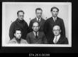 Tartu Ülikooli üliõpilaste sotsiaalfilooofilise seltsi liikmed (1922-1924.a.). 1. rida vasakult: Nael, Harald Jaani poeg, Sepp, Johannes Kristofi poeg, Wahtmann (Vaarandi), Anton Matsi poeg, 2. rida vasakult: Cher, Robert Joh. poeg, Tulp, Mihkel Johani poeg, Lipstal, Albert Jaani poeg. 1922-1924. - EFA