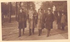 1)Rudolf Paris, 2) August Gailit, 4) Henrik Visnapuu Berliinis