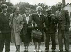 Aadu Hint, Elsa Kõrge, Betti Alver, Elo Tuglas, tundmatu, Kuno Kõrge Ahjal 12. sept. 1955. a