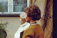 Betti Alver ja Linda Ulla mais 1982. a