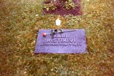 Karl Ristikivi haud Stockholmi Metsakalmistul 16.10.1979