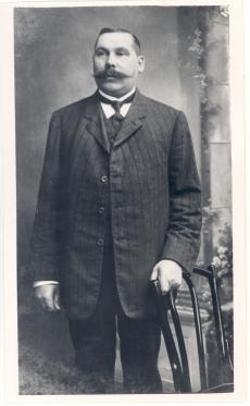 H. Vichmann, J. Barbaruse onu