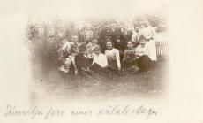 J. Sööt'i perekond oma külalistega Kurvitsa talus