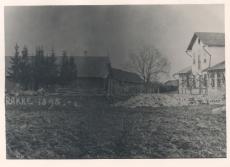 Rakke, Kalmu pood paremal, kus teenis Hugo Raudsepp aa. 1901-1906. Foto 1895