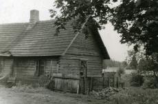 Karl Ristikivi lapsepõlvekodu Võipsi talu kõrvalhoone Paadremaa vallas 1966. a