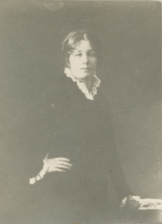 Marie Under 1915. a.