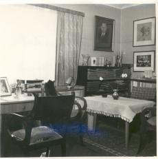F. Tuglase kodus Nõmmel I korruse tuba