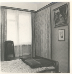 F. Tuglase kodus Nõmmel II korruse magamistuba