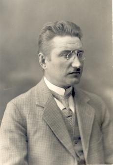 Villem Grünthal-Ridala (1885- ) kirjanik ja keeleteadlane