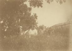 Siurulased. Vasakult: Fridebert Tuglas, August Gailit, Marie Under, Johannes Semper, Henrik Visnapuu, ees Artur Adson